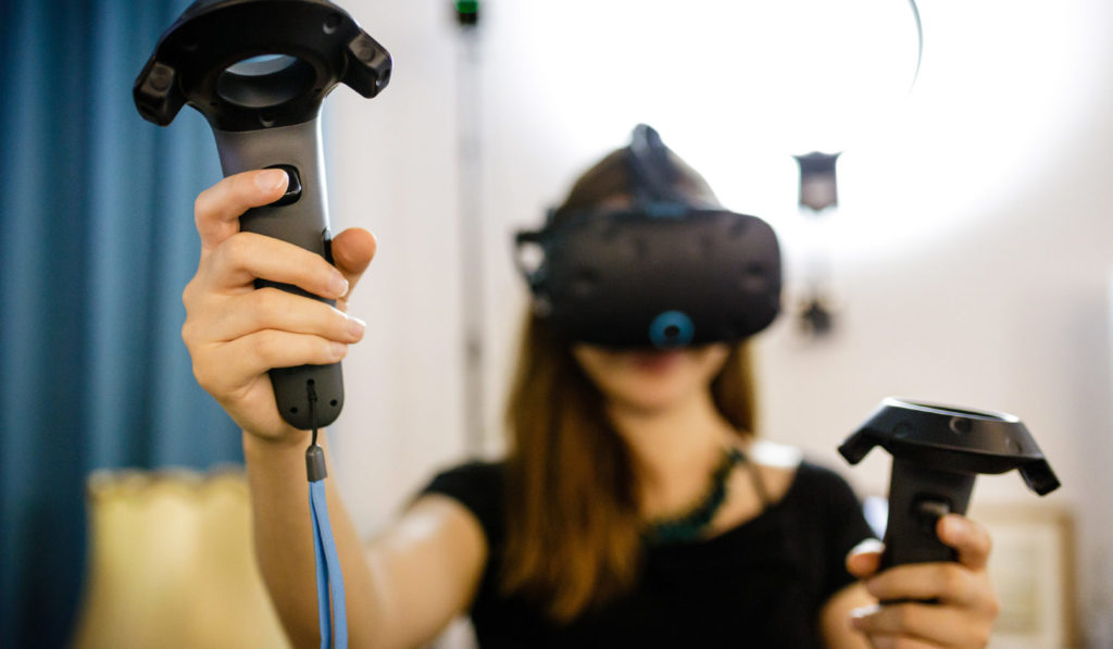 picture of woman with vr glasses